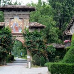 Articolo dell'autore, Grazzano Visconti - un luogo sospeso